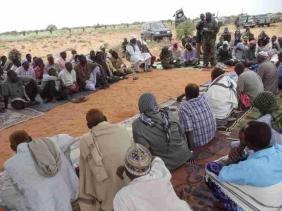 Al-Shabaab resolving a dispute between warring clans