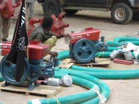Al-Shabaab distributing water pumps in Hiiraan